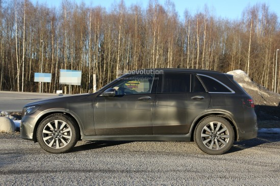 2016-mercedes-glc-spy-photos-show-nearly-undisguised-pre-production-prototypes_15