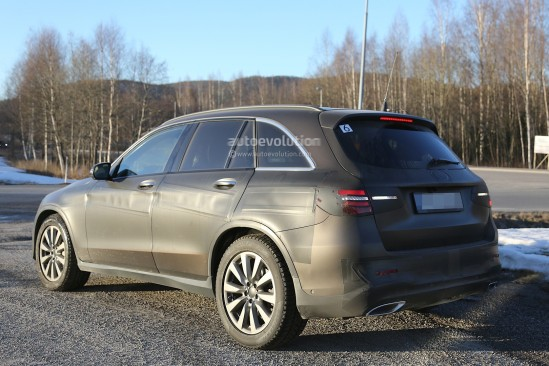 2016-mercedes-glc-spy-photos-show-nearly-undisguised-pre-production-prototypes_16