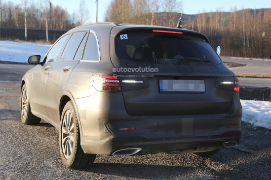 2016-mercedes-glc-spy-photos-show-nearly-undisguised-pre-production-prototypes_17