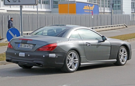 mercedes-benz-sl-facelift-spied-up-close-and-inside-photo-gallery_8